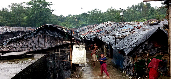 Heavy rain destroys Leda refugee camp